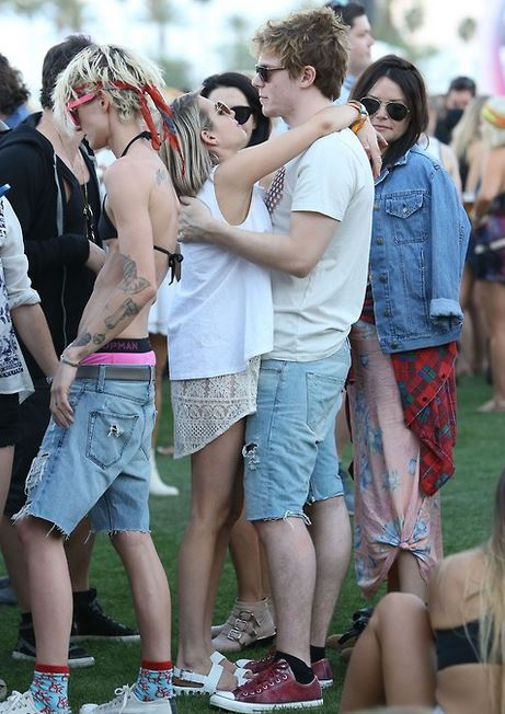Actress Emma Roberts and boyfriend Evan Peters.